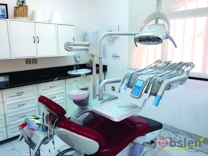 مطلوب فنية اسنان وممرضة